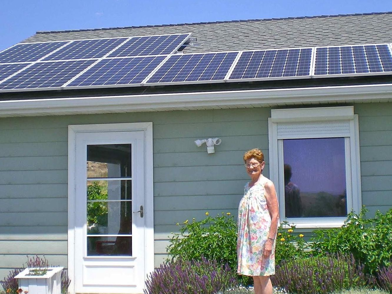 'Aunty Joy' Turns to Solar